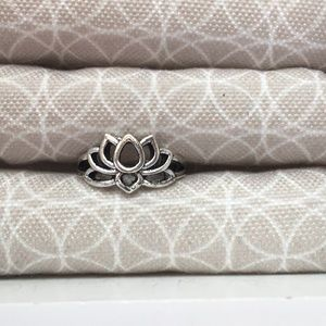 Jewelry - Bohemian Lotus Flower Silver Plated Ring
